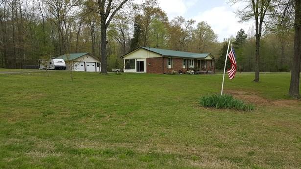 Residential/Single Family - New Johnsonville, TN (photo 3)