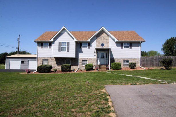 Residential/Single Family - Spring Hill, TN (photo 2)