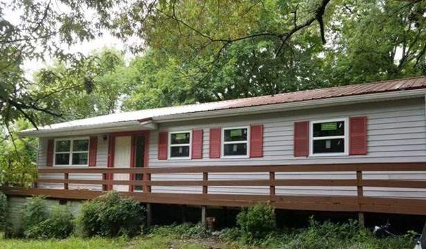 Residential/Single Family - CHARLESTON, TN