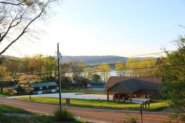 Residential/Single Family - Soddy Daisy, TN (photo 2)