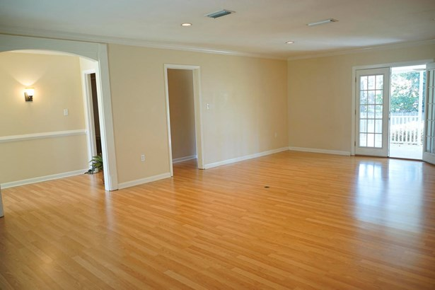 Residential/Single Family - Hattiesburg, MS (photo 4)
