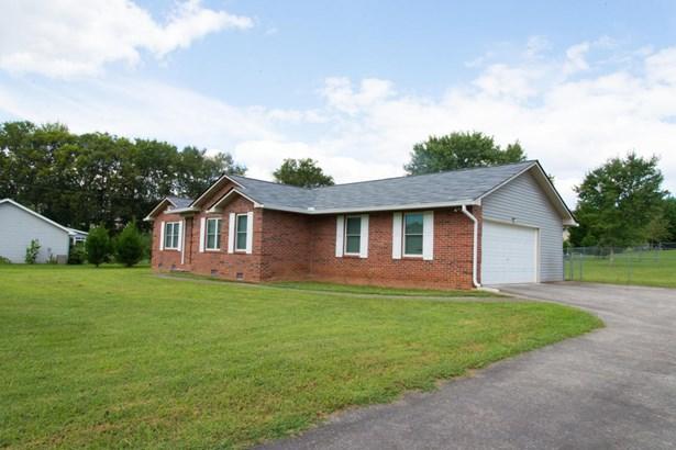 Residential/Single Family - Lenoir City, TN (photo 2)
