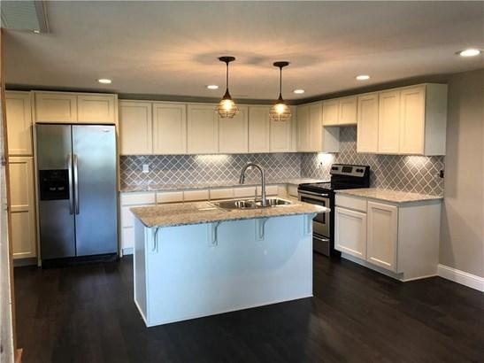 Residential/Single Family - Elkins, AR (photo 3)