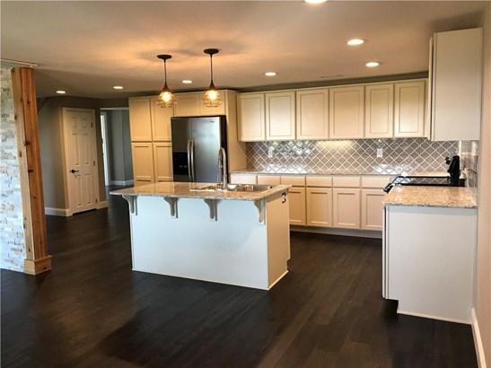 Residential/Single Family - Elkins, AR (photo 4)