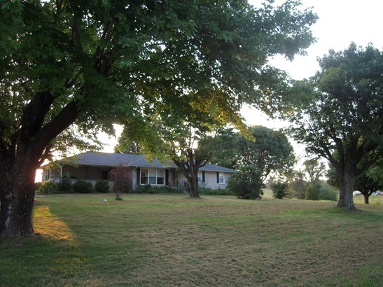 Residential/Single Family - Red Boiling Springs, TN (photo 1)