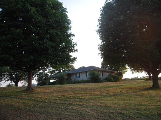 Residential/Single Family - Red Boiling Springs, TN (photo 3)