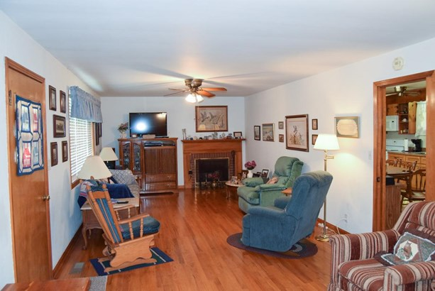 Residential/Single Family - Cunningham, TN (photo 4)