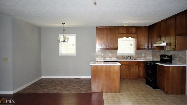 Residential/Single Family - Flowery Branch, GA (photo 5)
