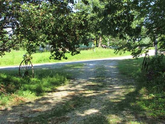 Residential/Single Family - Cedar Grove, TN (photo 4)
