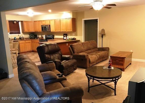 Residential/Single Family - Sardis, MS (photo 3)