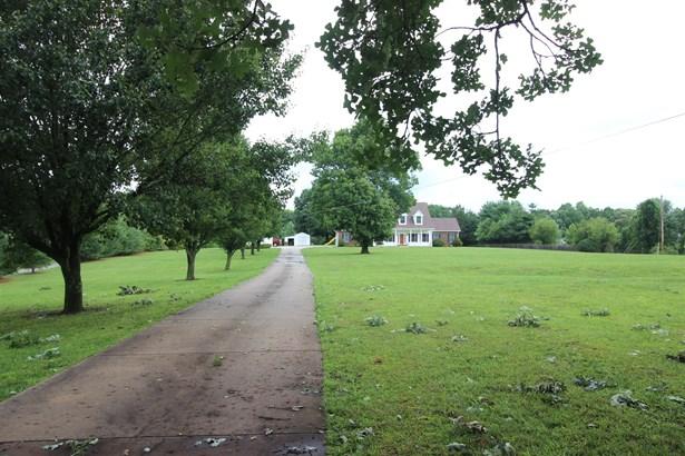 Residential/Single Family - Dickson, TN (photo 4)