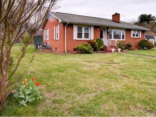 Residential/Single Family - Erwin, TN (photo 3)