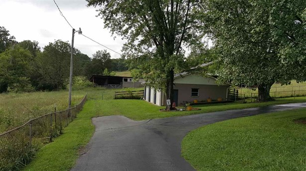Residential/Single Family - Dandridge, TN (photo 4)