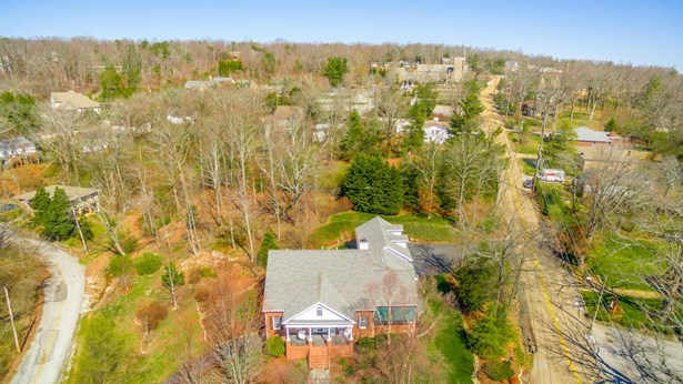 Residential/Single Family - Lookout Mountain, TN (photo 5)