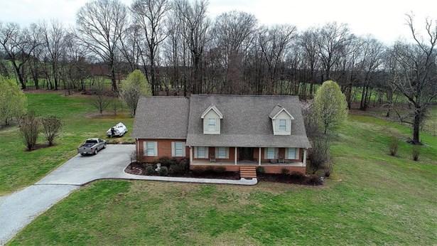 Residential/Single Family - Strawberry Plains, TN (photo 4)