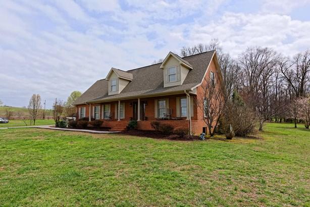 Residential/Single Family - Strawberry Plains, TN (photo 5)
