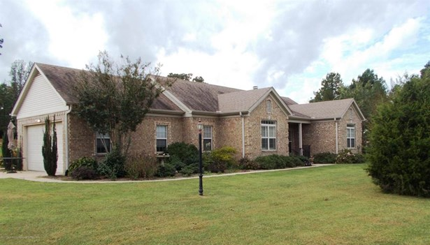 Residential/Single Family - Holly Springs, MS (photo 2)