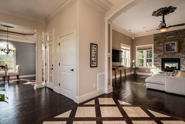 Residential/Single Family - Powell, TN (photo 4)