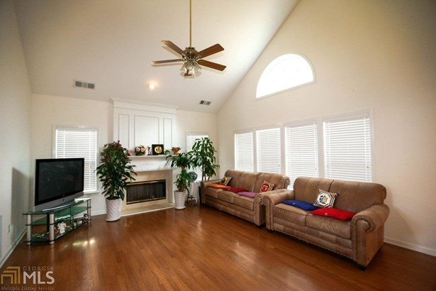 Residential/Single Family - Dacula, GA (photo 2)