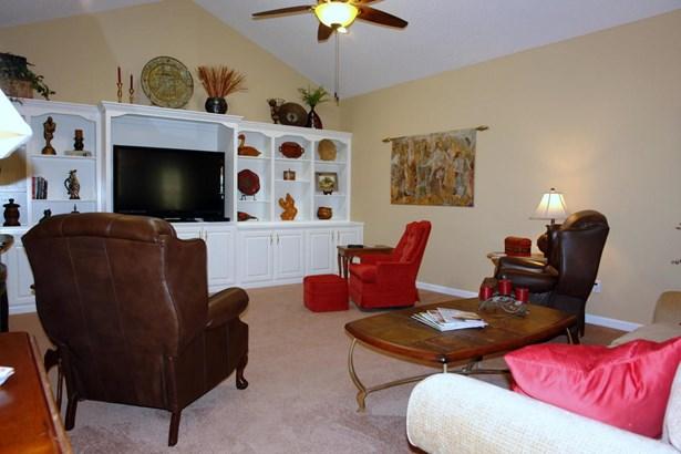 Residential/Single Family - Fairfield Glade, TN (photo 4)