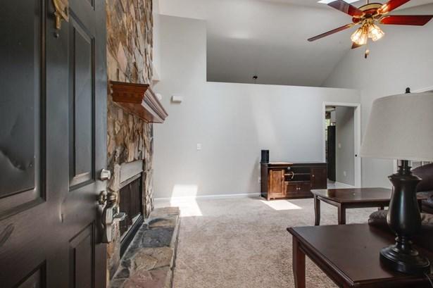 Residential/Single Family - Antioch, TN (photo 4)