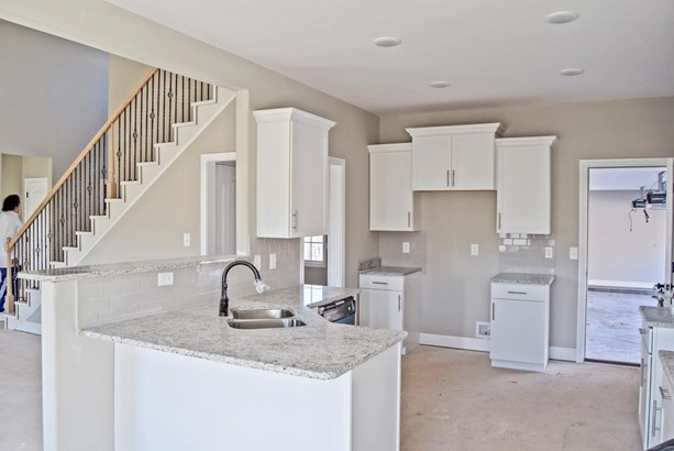 Residential/Single Family - Adams, TN (photo 4)
