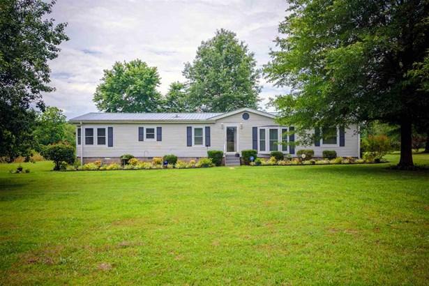 Residential/Single Family - Wildersville, TN (photo 1)