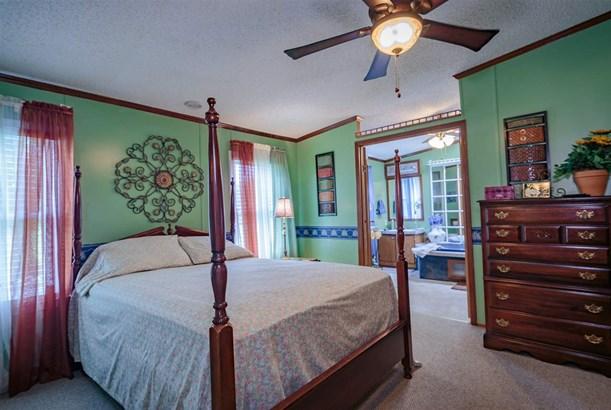 Residential/Single Family - Wildersville, TN (photo 3)