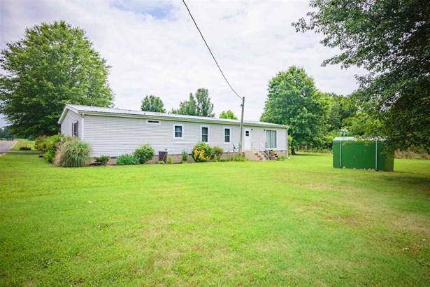 Residential/Single Family - Wildersville, TN (photo 4)