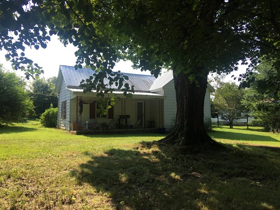 Residential/Single Family - Westmoreland, TN (photo 1)