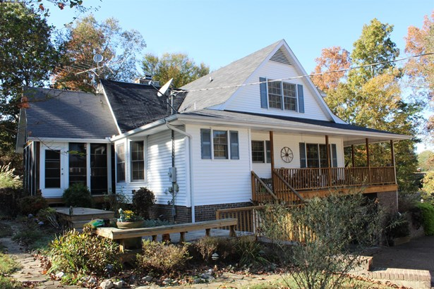 Residential/Single Family - Charlotte, TN (photo 1)