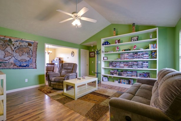 Residential/Single Family - Christiana, TN (photo 3)