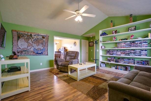 Residential/Single Family - Christiana, TN (photo 4)