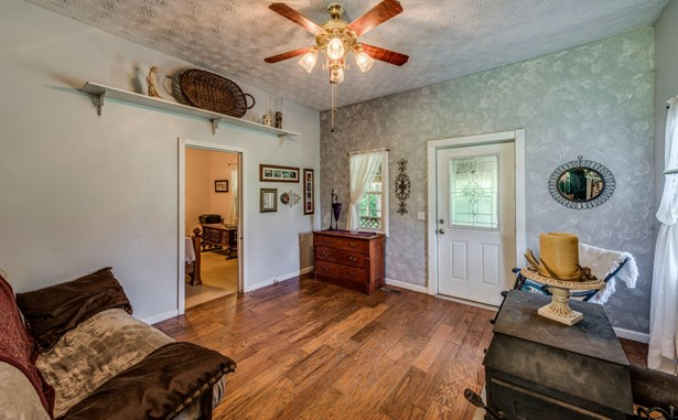 Residential/Single Family - Monterey, TN (photo 4)