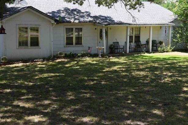 Residential/Single Family - Michie, TN (photo 1)