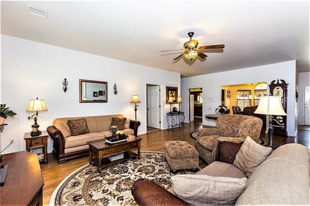 Residential/Single Family - Gravette, AR (photo 5)