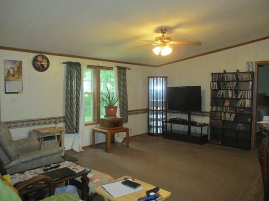 Residential/Single Family - Stilwell, AR (photo 4)
