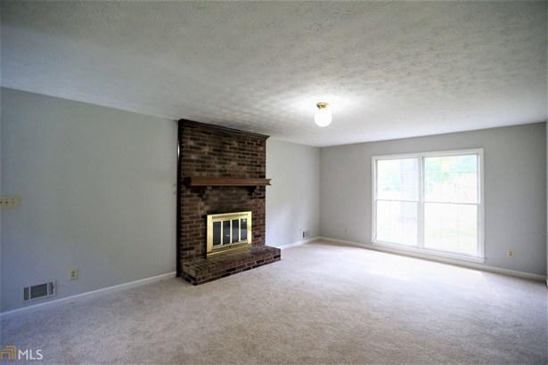Residential/Single Family - Fayetteville, GA (photo 3)