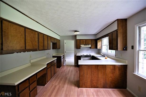 Residential/Single Family - Fayetteville, GA (photo 5)