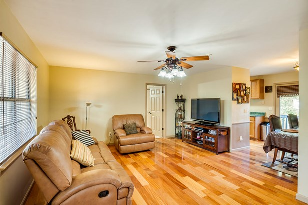Residential/Single Family - East Ridge, TN (photo 4)