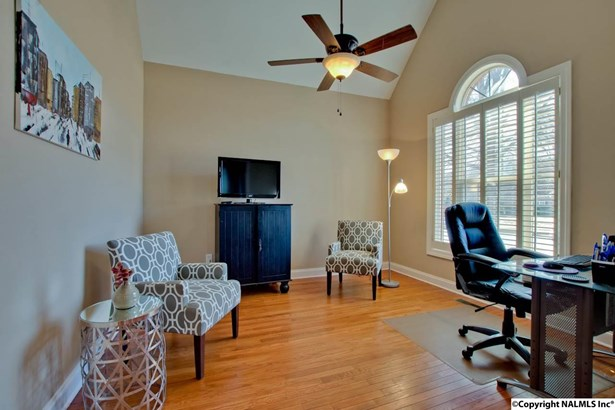 Residential/Single Family - HAMPTON COVE, AL (photo 5)