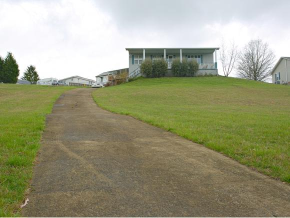 Residential/Single Family - Bluff City, TN (photo 2)