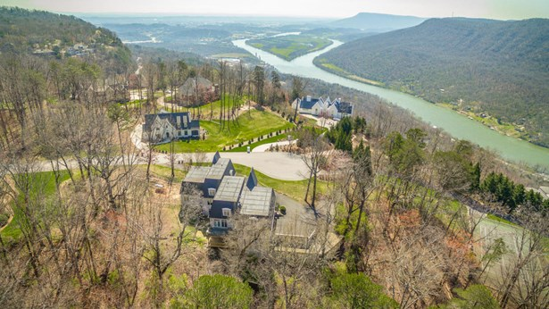 Residential/Single Family - Signal Mountain, TN (photo 4)