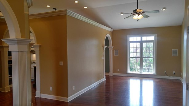 Residential/Single Family - Ooltewah, TN (photo 4)