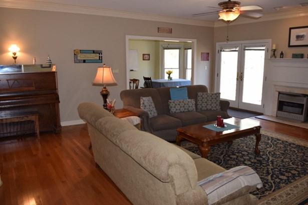 Residential/Single Family - Finger, TN (photo 5)