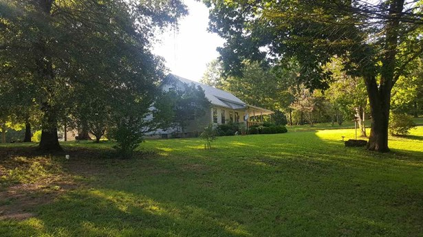 Residential/Single Family - Holladay, TN (photo 4)