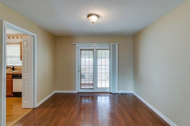 Residential/Single Family - Woodlawn, TN (photo 4)