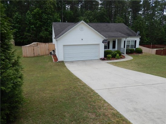 Residential/Single Family - Loganville, GA (photo 4)