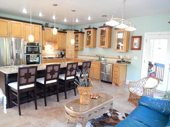 Residential/Single Family - Deer Lodge, TN (photo 4)
