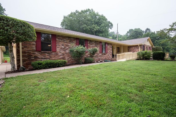 Residential/Single Family - Goodlettsville, TN (photo 2)